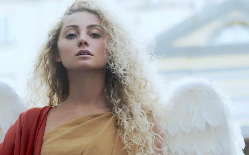 angeli-nei-quartieri-spagnoli-1